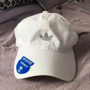 Adidas hat NWT